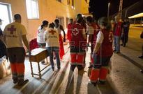 SUCESOS INMIGRACIÓN - Llegan a Motril en buen estado 28 inmigrantes rescatados por Salvamento