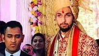 MSD attends Ishant's wedding