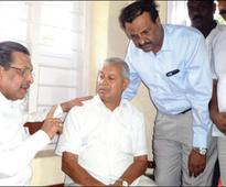 Kodagu Minister consoles late Dy.SP's family members