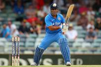 Dhoni puts Hindi daily on notice, threatens defamation charges of Rs. 100 crore
