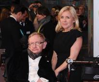 Woman arrested after Professor Stephen Hawking receives death threats