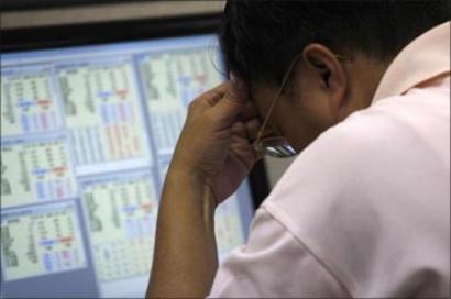 Sensex cracks below 25,000-mark as weak global cues negate RBI rate cut