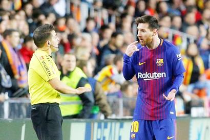 Barca slam referee after Messi denied 'goal' in draw with Valencia