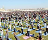 Thousands take part in yogathon to break a world record