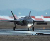 Cutting-edge U.S. jets arrive for 1st overseas deployment