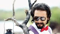 Alemari Santhu to Direct Sriimurali