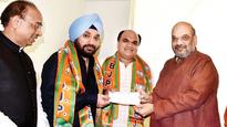 Major jolt to Congress ahead of civic polls, Arvinder Singh Lovely joins BJP