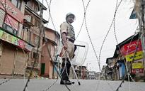 Kashmir: Curfew reimposed in Srinagar, separatists Geelani, Mirwaiz arrested