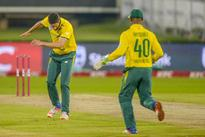 LIVE REPORT: Proteas in trouble on slow Wanderers strip