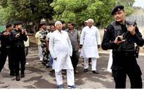 Lalu, Mishra appear in court in fodder scam case