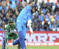 Selectors Need to Sort Out Futures of MS Dhoni and Yuvraj Singh, Says Rahul Dravid