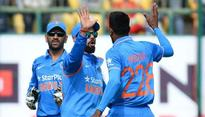 Dhoni backs Hardik Pandya to feature in Indias three-pronged pace attack