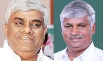 Bengaluru: Karnataka polls - Deve Gowda keeps promise, JD(S) first list released ahead of others
