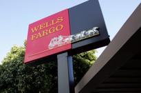 New Wells Fargo CEO apologizes to employees