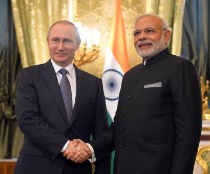 Putin greets Prez Mukherjee, PM Modi on Republic Day