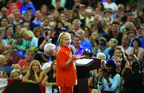 Clinton woos Republicans, independents fed up ... U.S. Democratic presidential nominee Hillary Clinton speaks during a campaig...