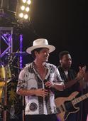 Bruno Mars sells 1 million tour tickets in a single day