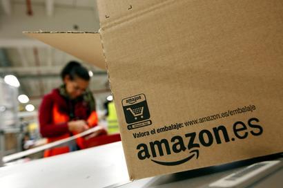 Amazon slashes sellers' fees to take on Flipkart