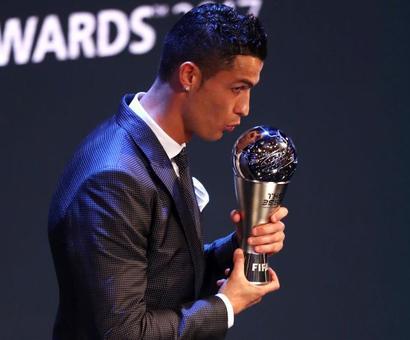 PIX: Ronaldo beats Messi again to retain FIFA world best player award