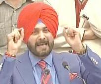Sidhu accuses Badals of 'looting' Punjab