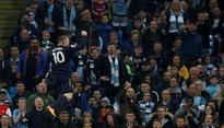 Wayne Rooney becomes second to reach 200 goals in Premier League