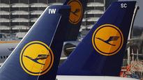 Lufthansa and Latam to suspend flights to Venezuela