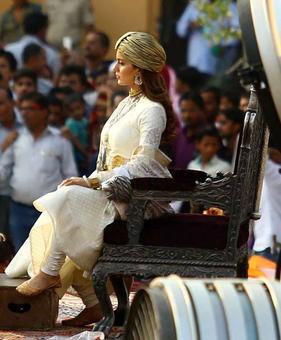 First Look of Manikarnika: Kangana as Rani Lakshmi Bai looks ravishing!