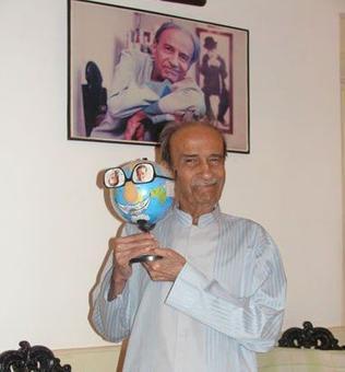 Playwright Taarak Mehta passes away