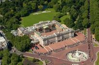 Intruder scales palace wall