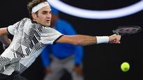 Australian Open 2017: Crowd favourite Federer progresses as top seeds lose