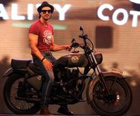 Photos: Arjun Rampal, Genelia hit the runway