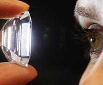 Here's how scientists grow perfect diamonds in the lab