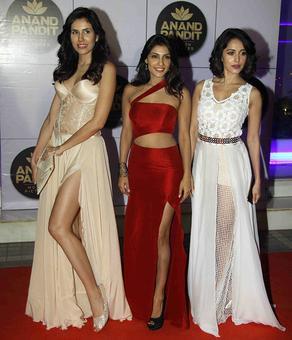 PIX: Amitabh Bachchan parties with Pyaar Ka Punchnama 2 team