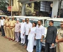 Vasai civic body owns no car, gifts SUVs to police