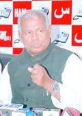Manjhi bats for toddy, slams CM