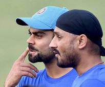 Harbhajan Singh loses cool after being mocked on Twitter