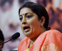 On 2nd anniversary of Modi government, Smriti Irani launches scathing attack on Gandhi family in Amethi