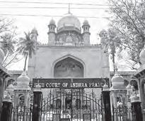 Court issues contempt notices to 13 advocates