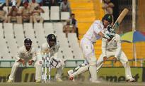 New Zealand opt to bowl, van Zyl replaces Elgar
