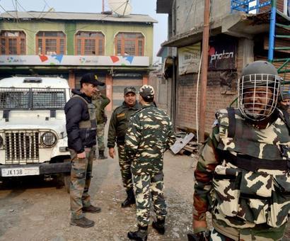 Suspected militants loot another bank in Kashmir