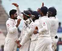 Bhuvneshwar, Shami reduce NZ to 85-4 at tea