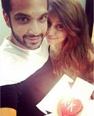 Karan Kundra refers to lady love Anusha Dandekar as Mumtaz with the Taj Mahal as a backdrop- view tweet!