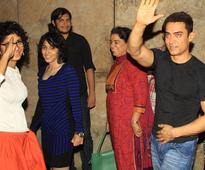 Aamir watches Qayamat Se Qayamat Tak with family, cast and crew