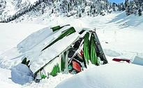 Five soldiers missing along LoC, three in Gurez avalanche