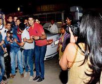 When Maanayata turned photographer for hubby Sanjay