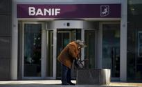 Portugal sells Banif to Santander as part of 2.2 billion euro rescue