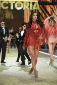 Irina Shayk Pregnant: Will The Model Marry Actor Bradley Cooper?