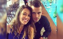 Manchester United's Schneiderlin engaged to sports shop girl