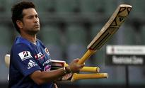IPL 2013 LIVE SCORE: Mumbai Indians remove Aaron Finch early