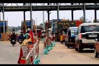 Egg hurling at Odisha Min: BJD workers block NH near Pipili toll gate
